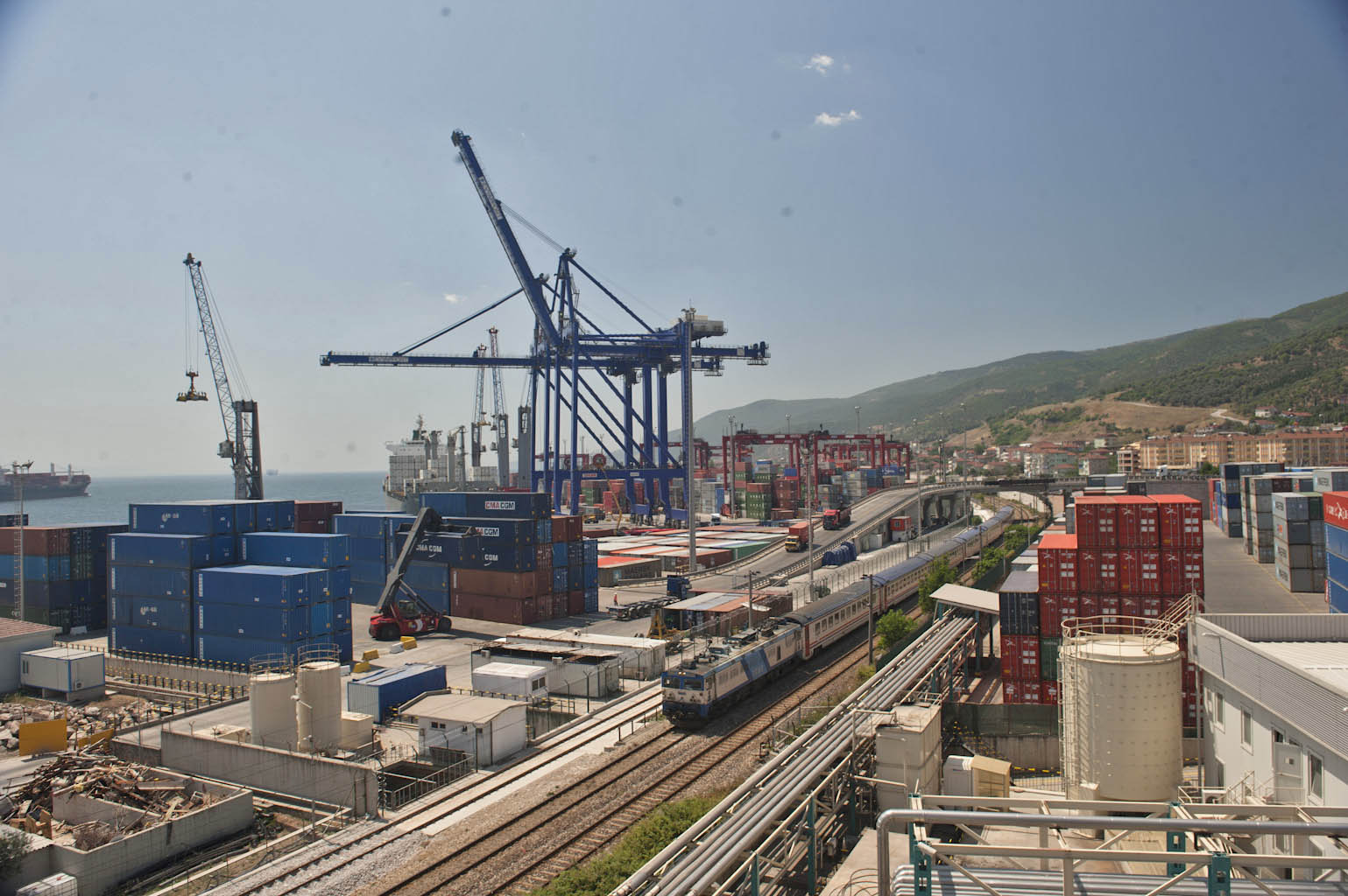 Kazakhstan opened two ports for US