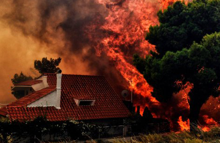 Fire in Athens can not be stopped, there are dead and wounded