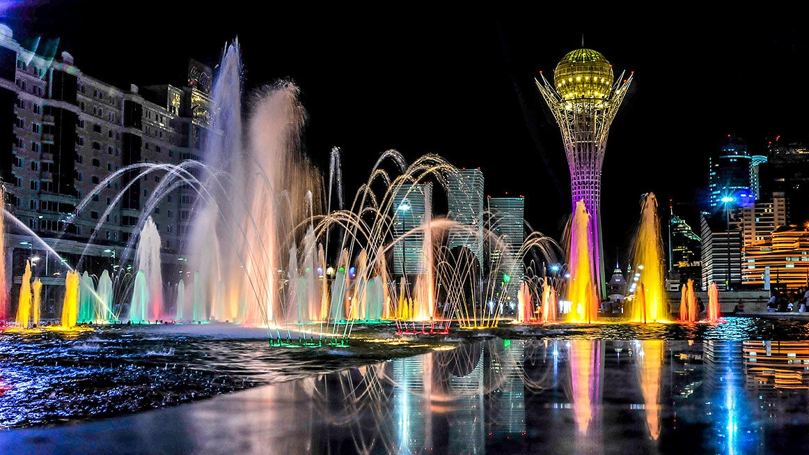 Astana's the Largest Fountain Opened