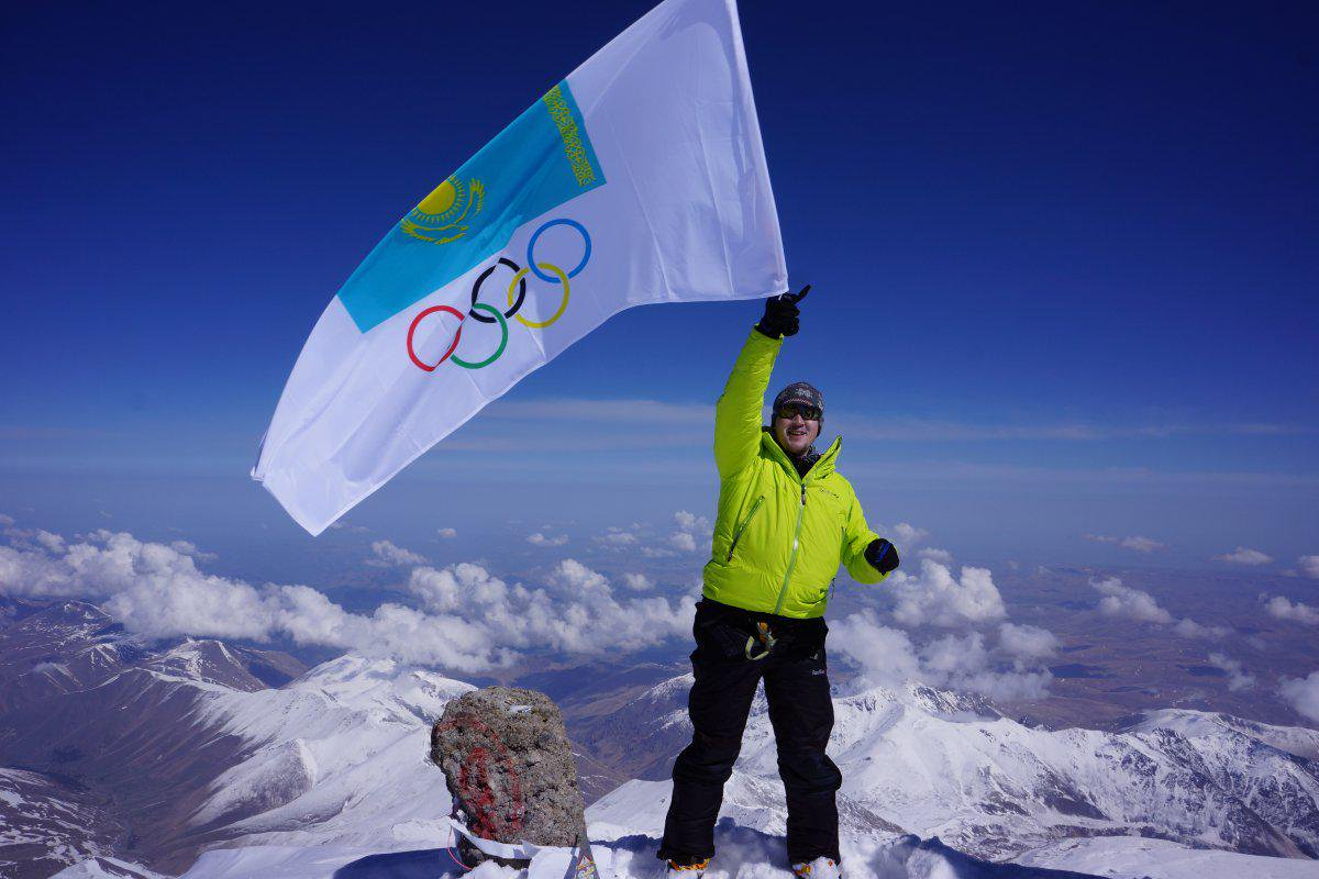 Kazakhstan's Alpinist conquers Everest for the second time